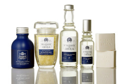 Línea de productos de la marca Hierbas de Ibiza Perfumes